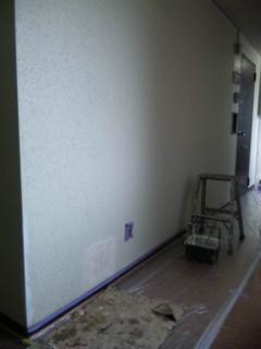 廊下の壁の部分補修